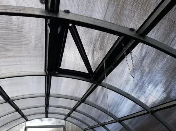 Внутренее строение теплицы Сигма